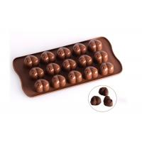 China Pure Silicone Heart Shaped Chocolate Molds Coffee Color Easy To Wash on sale
