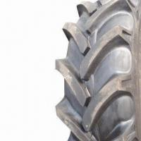 Quality Tractor Tire with Directional Tread Pattern, DOT, ISO, and CCC Certified for sale