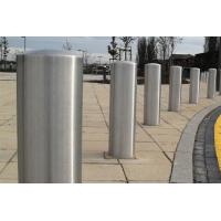 Quality Pre Buried / Surface Type Steel Bollard Post , Street Furniture Bollards Scratch Resistant for sale