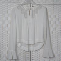 China Hollow Lace Casual White Chiffon Blouse Long Sleeves For Young Ladies on sale