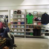 Quality boutique display tables for clothing shops display stands for sale