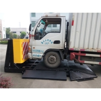 Buy cheap Honeycomb Aluminum 3M Reflective Film Vehicle Security Barriers Detachable from wholesalers