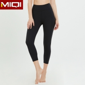 China Womens Black Capri Yoga Pants on sale