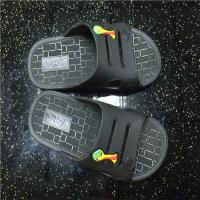 China Home use men women PVC one piece indoor hotel bath slippers on sale