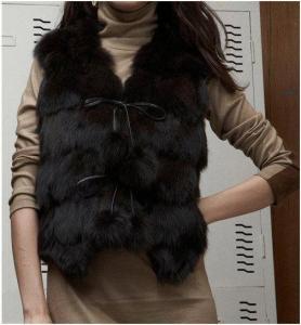 China Women Fox Fur Vest Fox Fur Coats Fox Fur Jacket Z41 Black on sale