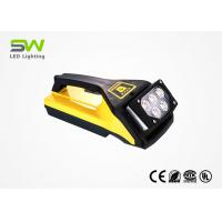 Quality IP65 15W 800 Lumen Battery Powered Led Work Light With Handle And Magnetic Base for sale