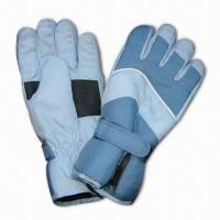 Quality Sports Ski Gloves with TR Lining, Made of 100% Polyester Shell for sale