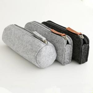 Quality Promotional zipper round felt pencil pouch/ pencil cases. size:20cm*6.5cm 2mm felt material. for sale