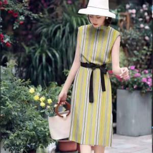 China Boat Neck Sleeveless Ladies Elegant Dresses , 100% Cotton Striped Sheath Pencil Dress on sale