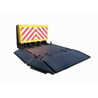 Quality Honeycomb Aluminum 3M Reflective Film Vehicle Security Barriers Detachable for sale