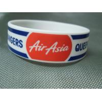 Quality Trade Show Promotional Items Giveaways Embossed Silicone Wristband Bracelet for sale