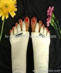 Buy COMFY TOES FOOT ALIGNMENT SOCKS at wholesale prices