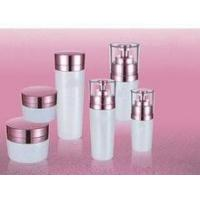 Quality hot red wholesale cosmetic containers and jars with white pumps and lids for sale