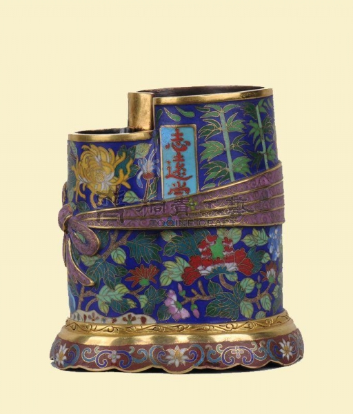 Buy Gilt filigree enamel volume Shujin bundle wrapped in cloth style pen holder at wholesale prices