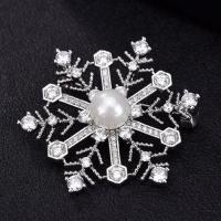 Quality Bling cubic zirconia crystal winter snowflake brooch for sale