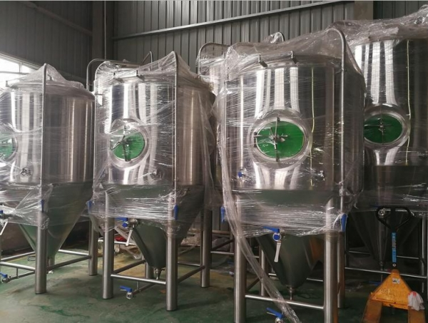 China 15bbl double wall fermenter in stock