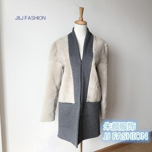 Buy LADY'S COAT IN DOUBLE FACE WOOL FABRIC AND LAMB AW15FURCOLLECTION at wholesale prices