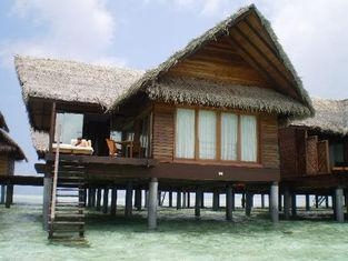 China Overwater Bungalow / Prefab House For Resort Water Bungalow