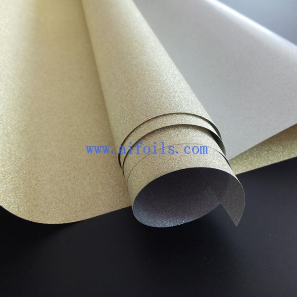 China Gift Wrap Design Reflective Film Roll Glitter Wrapping Film