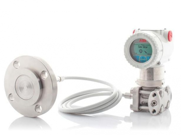 China ABB 266DRH Differential pressure transmitter with remote diaphragm seal.